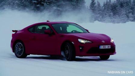 2017款 丰田GT86  雪中的舞蹈