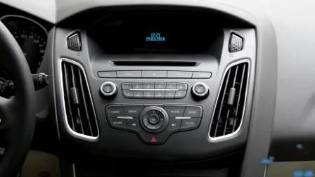 【全车功能展示】福特福克斯两厢 娱乐及通讯系统展示