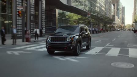 Jeep 自由侠穿行在城市乡间