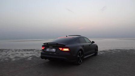 2017款奥迪RS7运动版 605匹马力沙滩秀