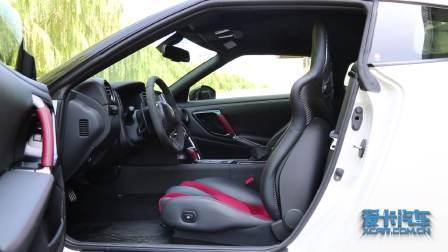 日产GT-R 储物空间展示