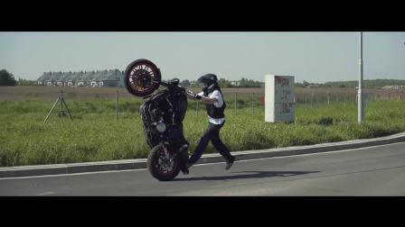 哈雷打破摩托车烧胎世界纪录