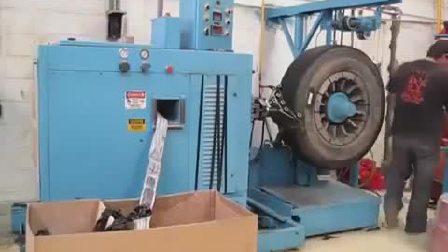 看看老外是如何翻新轮胎的