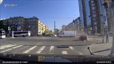 2016年俄罗斯史诗汽车碰撞汇编