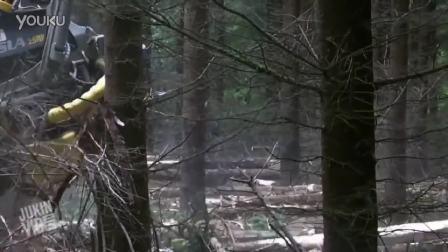 森林伐木集材车工作视频