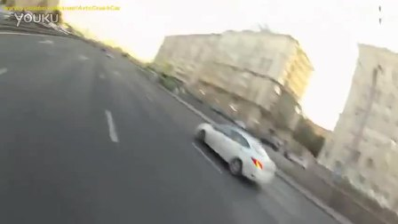 生死一瞬间的恐怖摩托车祸集锦
