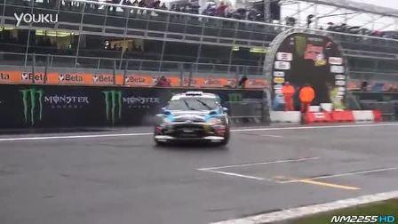 实拍Ken Block驾驶Ford Fiesta WRC漂移画圈