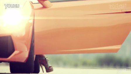 Sexy Hot Girl takes a ride in a Lamborghini