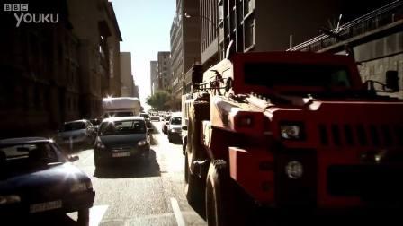 掠夺者 - 南非的十吨军用车辆 - 顶面齿轮