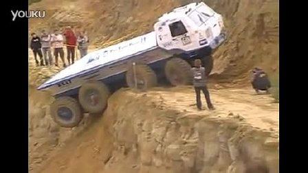 车祸惊魂 卡车越野爬坡实拍