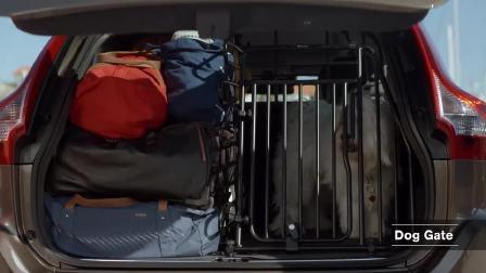 沃尔沃 XC60 后备箱给狗狗提供一个宽敞的空间