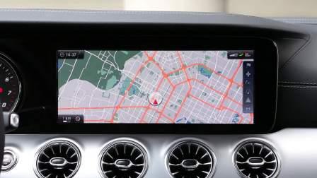 奔驰E级双门 导航系统展示