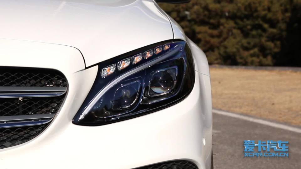 奔驰C级旅行车 灯光展示