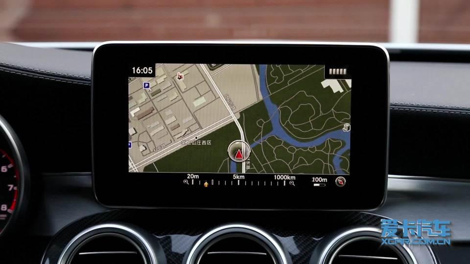 奔驰C级AMG 导航系统展示