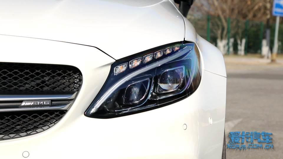 奔驰C级AMG 灯光展示