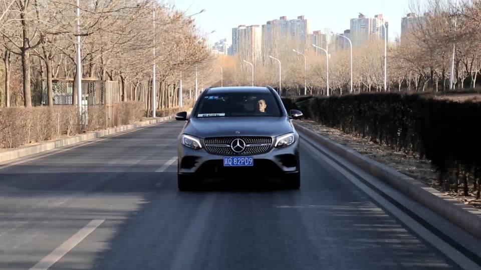 奔驰GLC级AMG 车道保持系统展示