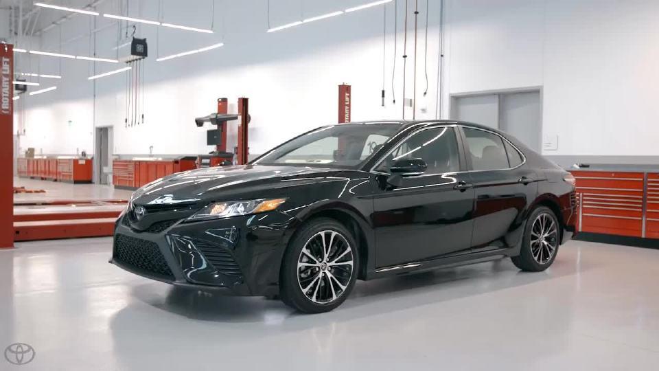 2018款丰田全新凯美瑞 颠覆传统的设计