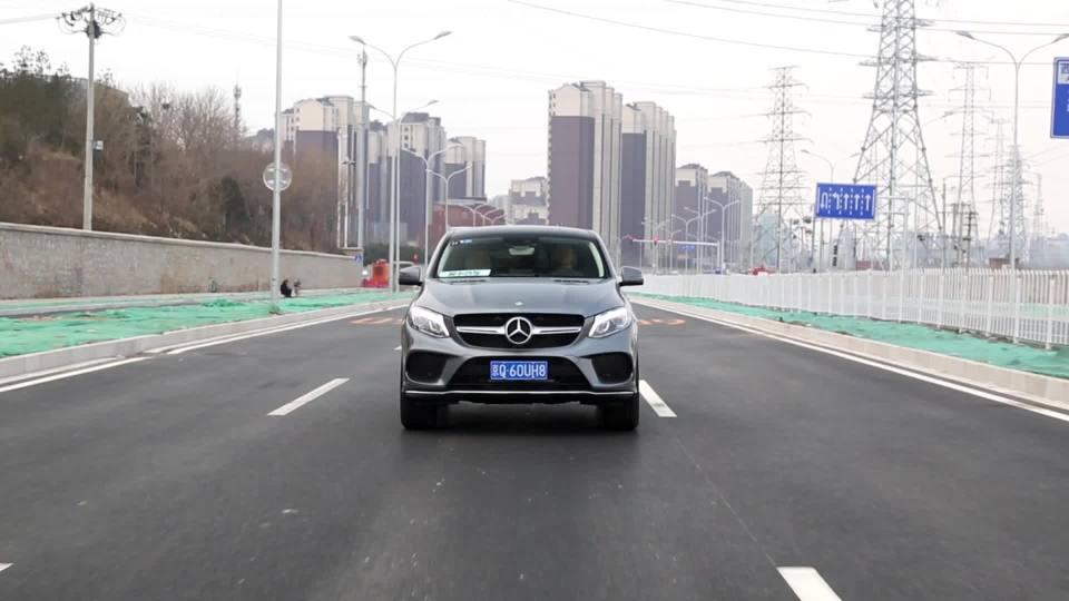 奔驰GLE 轿跑SUV 车道保持系统展示