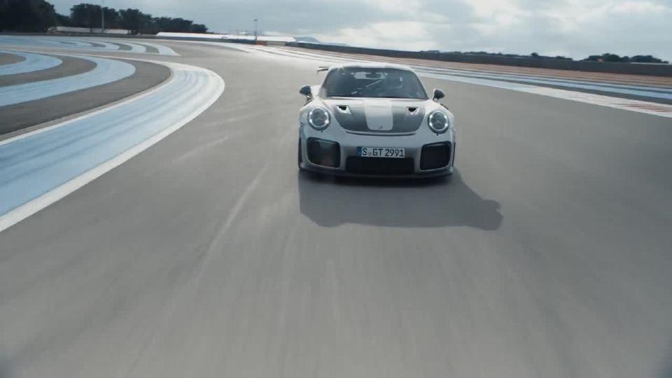 保时捷911 赛手体验急速驰骋在赛道内
