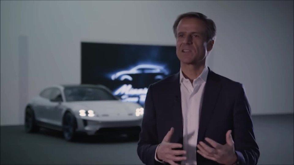 2019保时捷Mission E-Cross赛车 内饰外观和驾驶