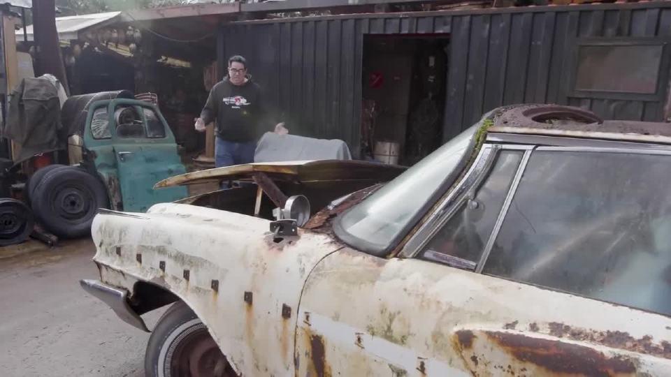 在废旧处理厂里的 62兰瑟GT 61德索托 54皇家步伐车
