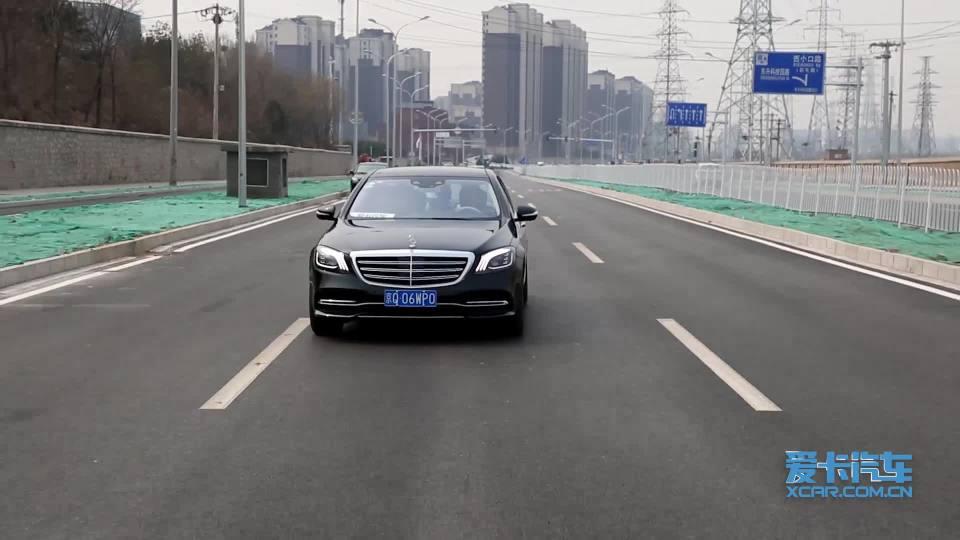 2018款奔驰S级 车道保持辅助展示