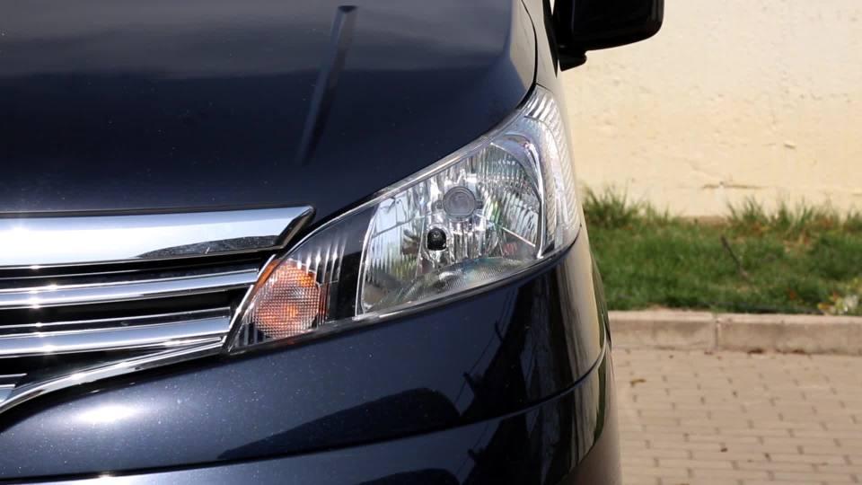 日产NV200 灯光展示
