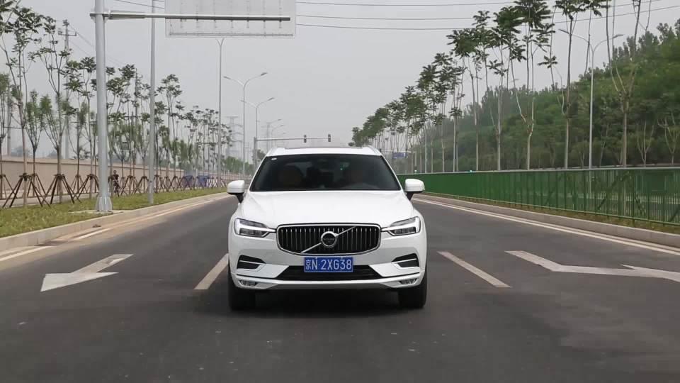 沃尔沃XC60 车道保持系统展示