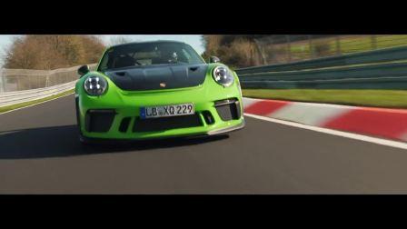 保时捷911 GT3 RS和911 GT3 R赛道狂飙
