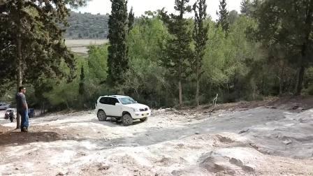 爬山测试 铃木吉姆尼vs丰田普拉多