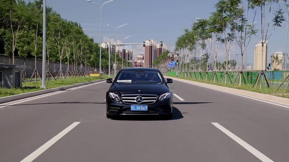 2018款 奔驰E级 车道保持展示