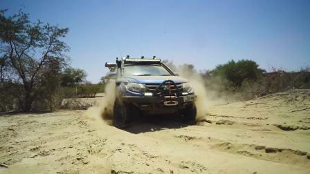 三菱L200沙漠战士