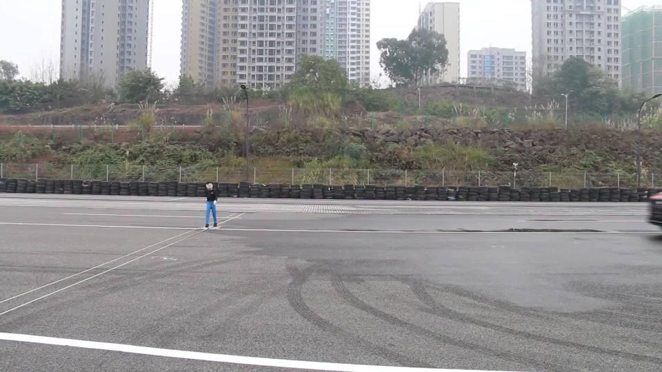 宝骏RS-5自动紧急刹车测试